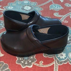 Dansko brown clogs